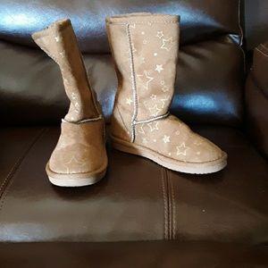 Air walk little girls size 11 tan boots w stars
